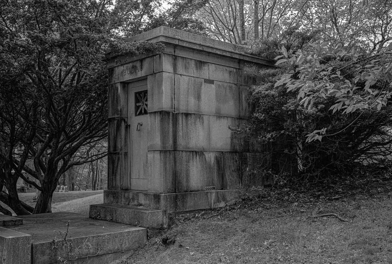 #5FramesWith... Kodak Tri-X 400 (120 / EI 400 / Fuji GW690II) - by Edward Steinerts