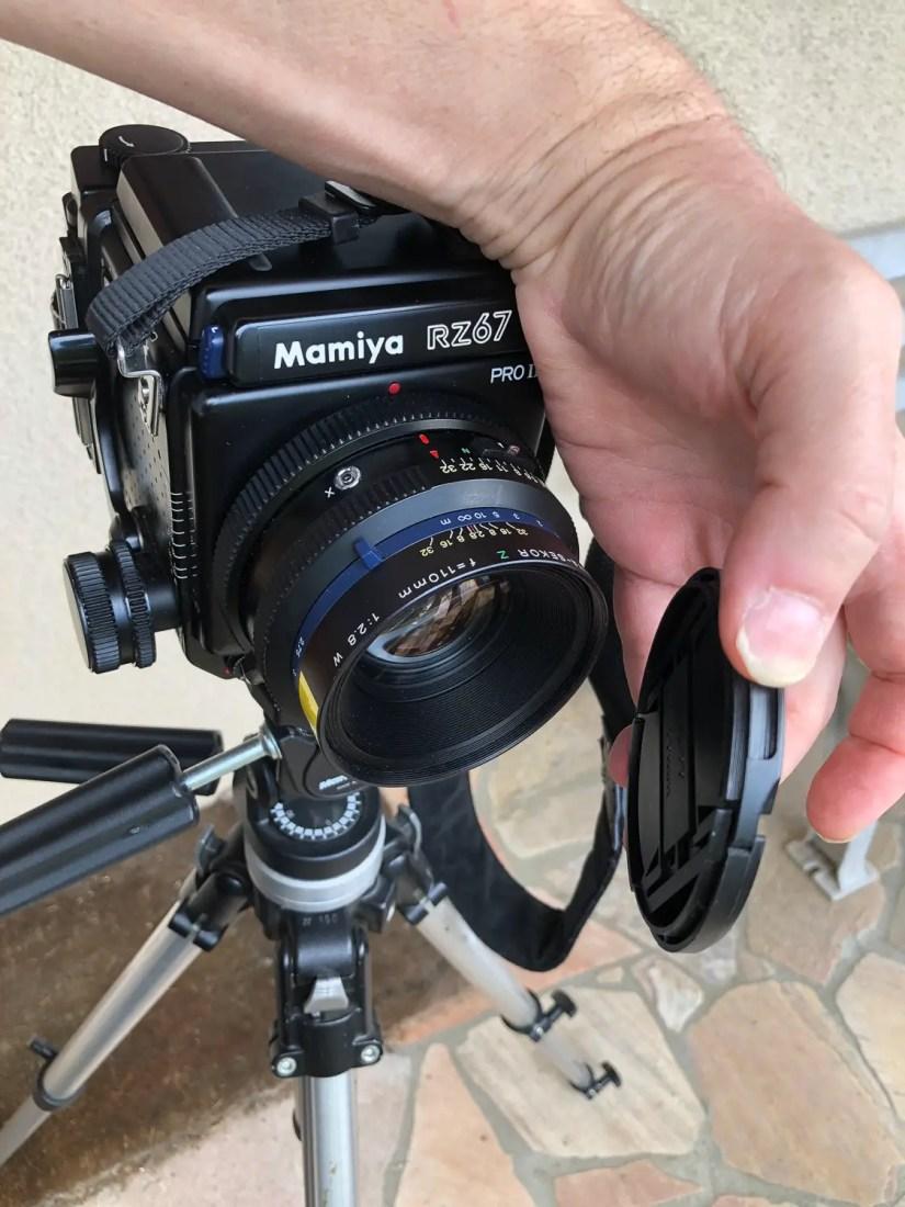 Mamiya RZ67 - remove the lens cap