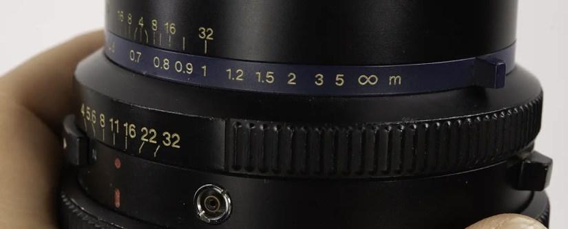 Mamiya RZ67 - the depth of field scale