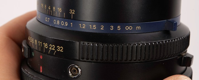 Mamiya RZ67 - the depth of field scale