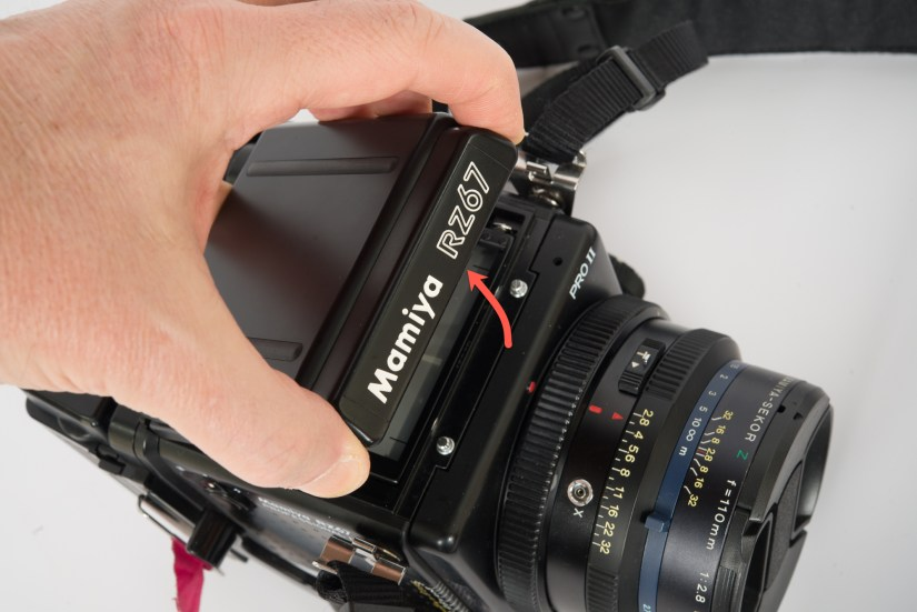 Mamiya RZ67 - Remove and replace viewfinder (step 2)