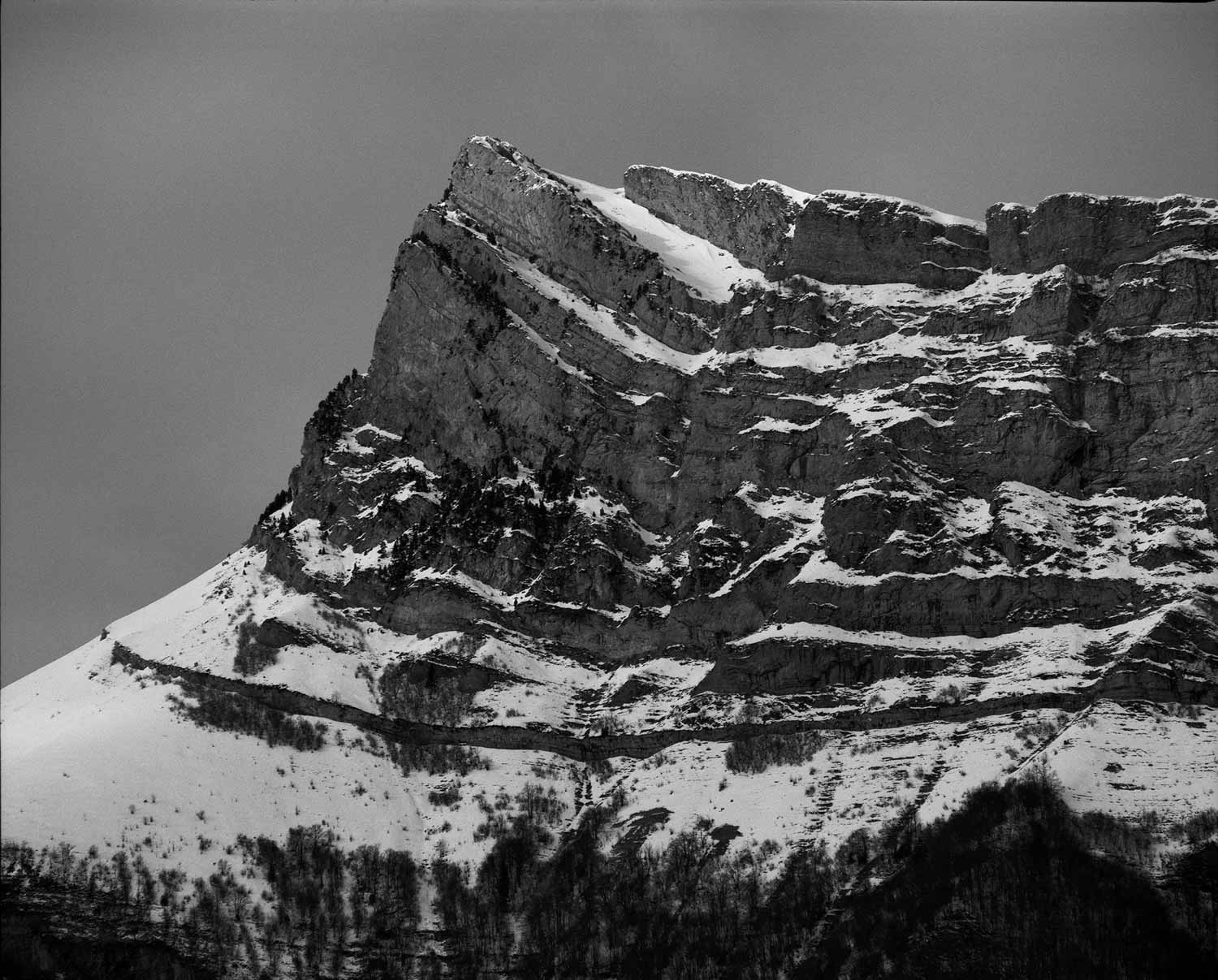Shot with the 500 + x1.4 teleconverter. You can see vignetting on the corners. Dent de l'Arclusaz (Savoie)