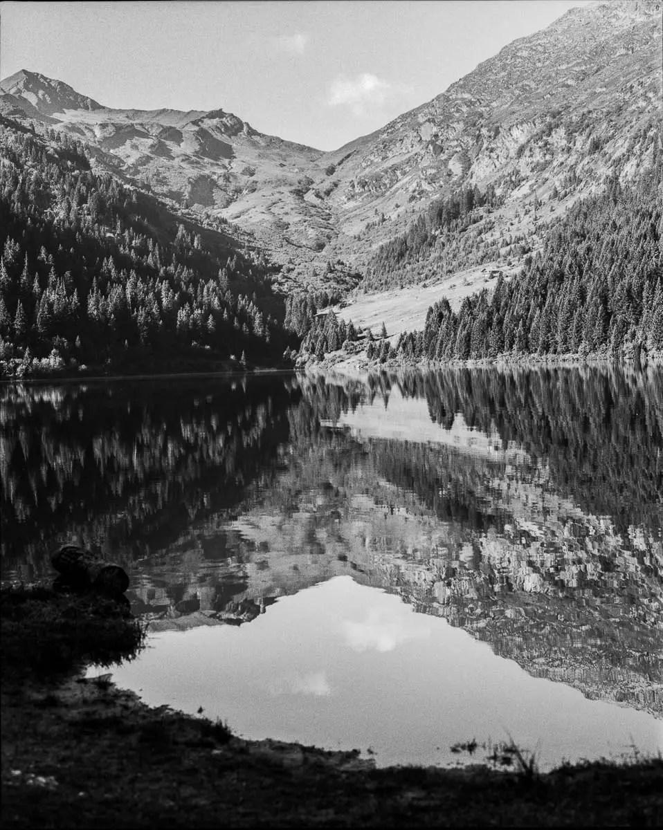 Mamiya RZ69 Pro II + 50mm f/4.5W - ILFORD FP4 PLUS - Lac de la Gittaz (Haute Savoie)