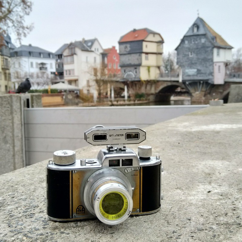 Akarette II, external rangefinder and yellow filter