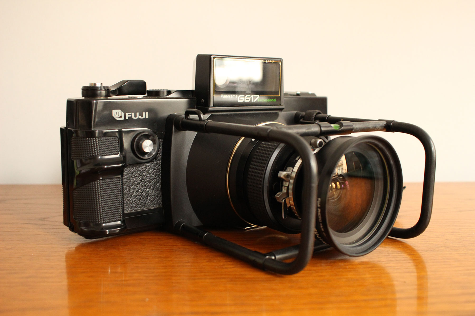 Fujica Panorama G617 Professional - Front right