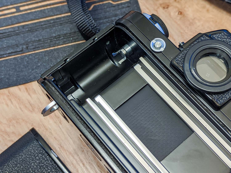 Replacing my Nikon F2's light seals