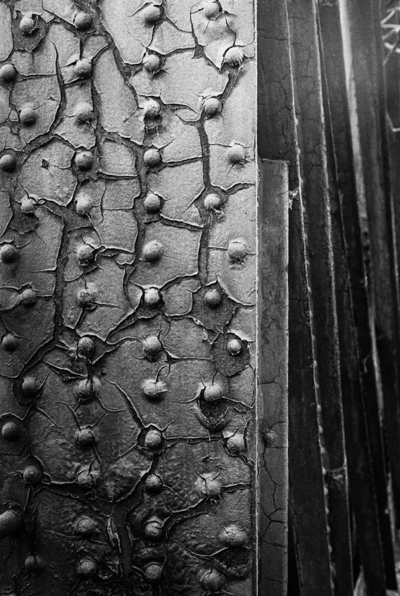 Rivets - ILFORD HP5 PLUS, Minolta SRT 101b, MD Rokkor 50mm f/1.7 - Nigel Fishwick