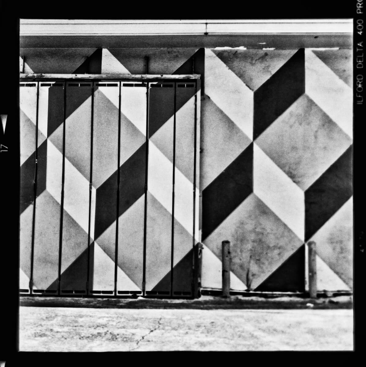 5 Frames... Of ILFORD Delta 400 Professional (120 Format / EI 400 / Yashica Mat-124G) - by Mondo Morales