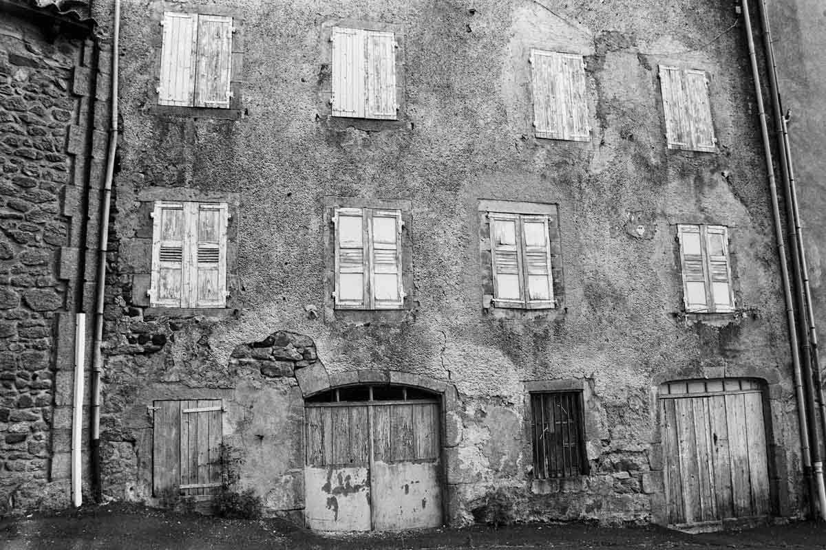 5 Frames... At Pradelles, deep in the heart of France on Rollei Retro 400 (35mm Format / EI 400 / Nikon FG) - by Stéphane Mee