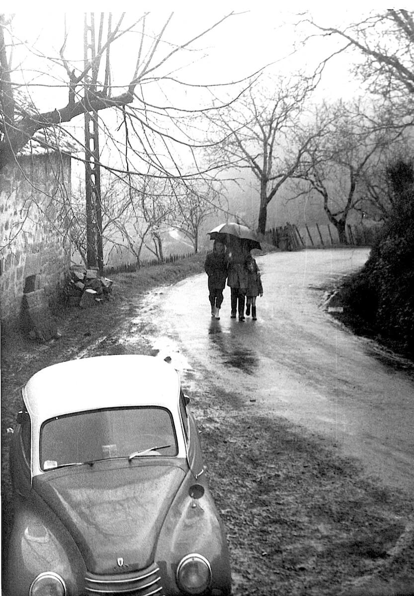 1963 - Serilhac, the 3 brothers in the rain