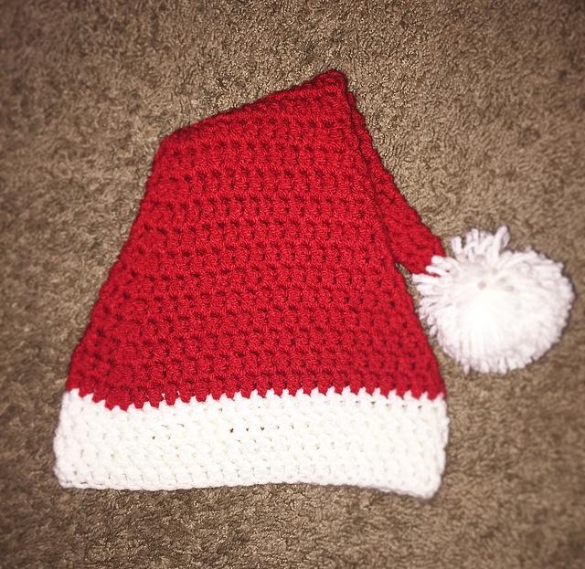 Free Crochet Santa Christmas Hat Pattern – Emvy16designs 06b9942ef95