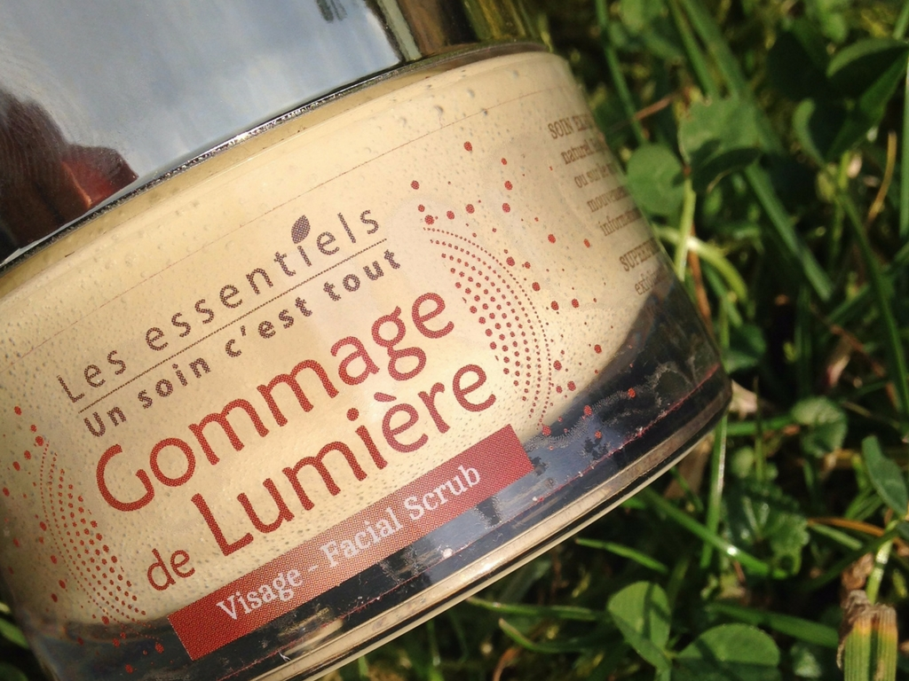 les-essentiels-gommage