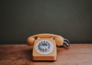 Teléfono con dial