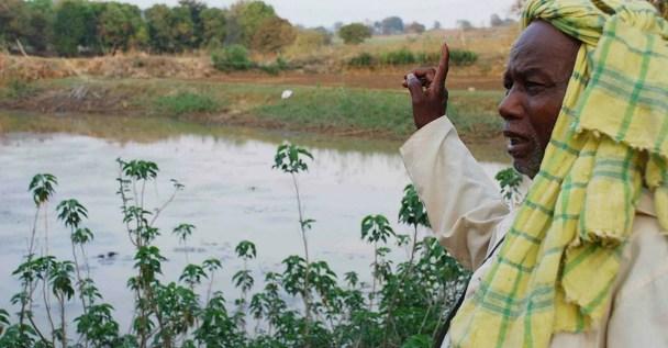 84-Year-Old Padma Shri Simon Oraon is Jharkhand's Waterman