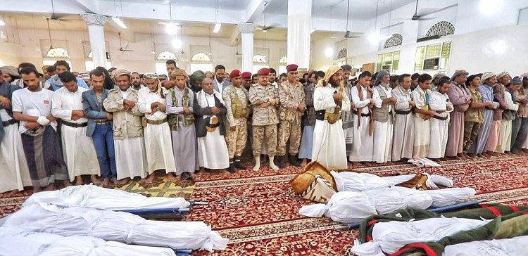 National Army Bury 14 Martyrs Who Died in Defense Yemen