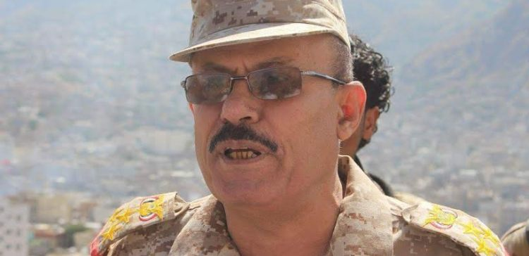 Sadiq Sarhan confirms the army's control of the palace in Taiz and ready to march towards the Special Security Forces
