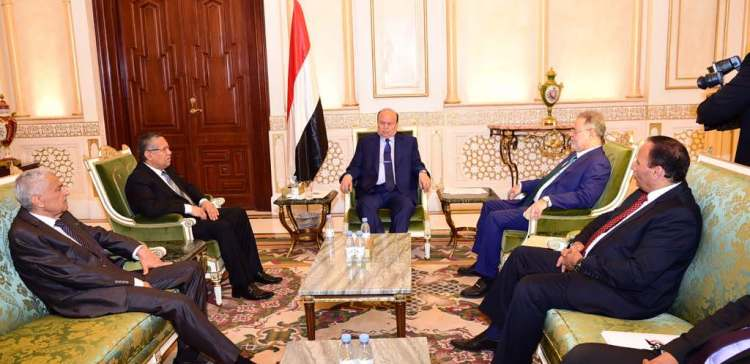 President Hadi discusses with government efforts of regaining order