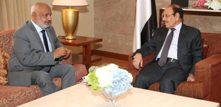 VP discuses combat operations with governor of Hodeida