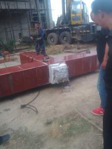 The forcible removal of cross of Shenjiagang Church in Long'an, Anyang, Henan. (Photo 7)