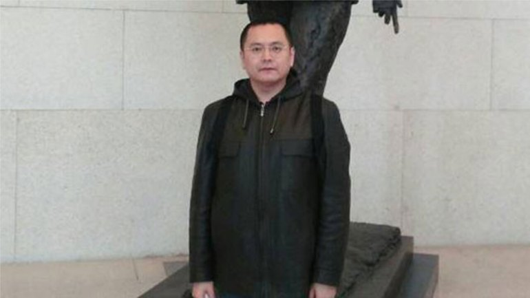 Chinese Police Threaten Muslim Poet Who Tweeted About Xinjiang Camps