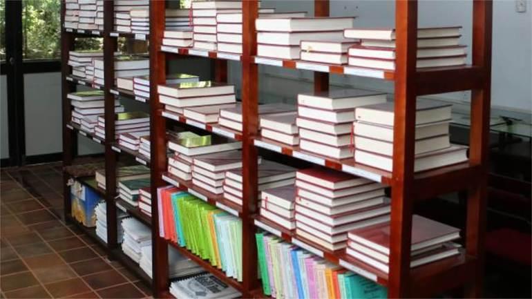 Chinese Authorities Detain Three for Selling Buddhist Books