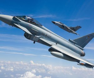 German-Eurofighter-(front)-and-Tornado-(back)-in-Formation_Copyright-Andreas-Zeitler-Airbus