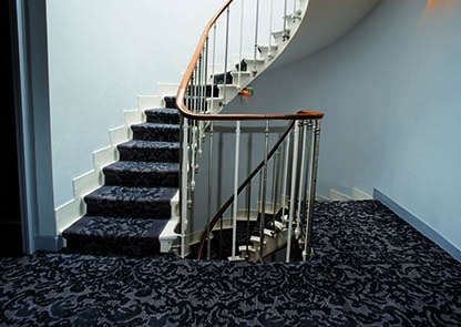 How Should Carpets Be Installed On A Hotel Staircase Balsan En | Cutting Carpet For Stairs | Carpet Tiles | Carpet Runner | Stair Tread | Wooden Stairs | Stair Runner