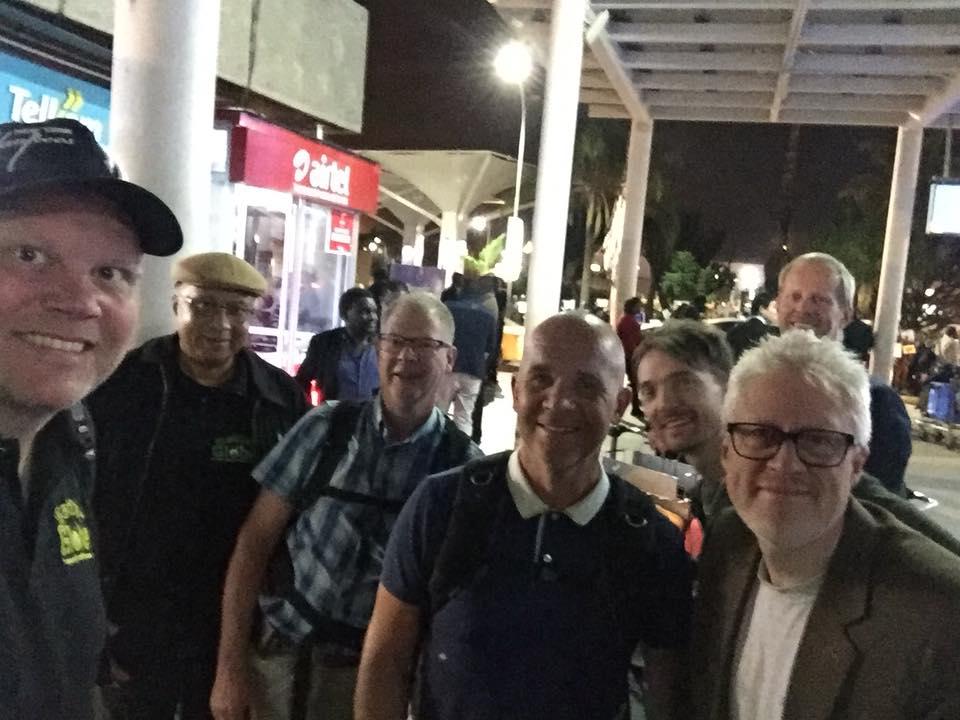 Kunderna från Stockholm har landat i Nairobi efter en lång resa
