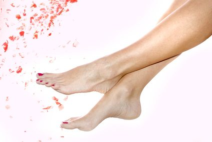 Eliminate foot fungus with home remedies