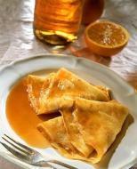 Prepare delicious Crepes (pancakes)
