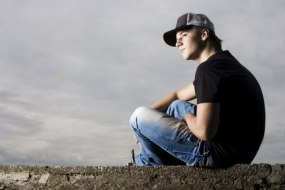 Drugs and addiction in young people: how to help control and prevent
