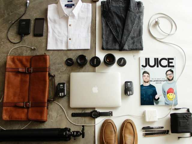 10 Smart Travel Essentials to Help You Travel Like a Pro
