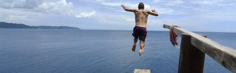Cliff Diving at Ariel's Point