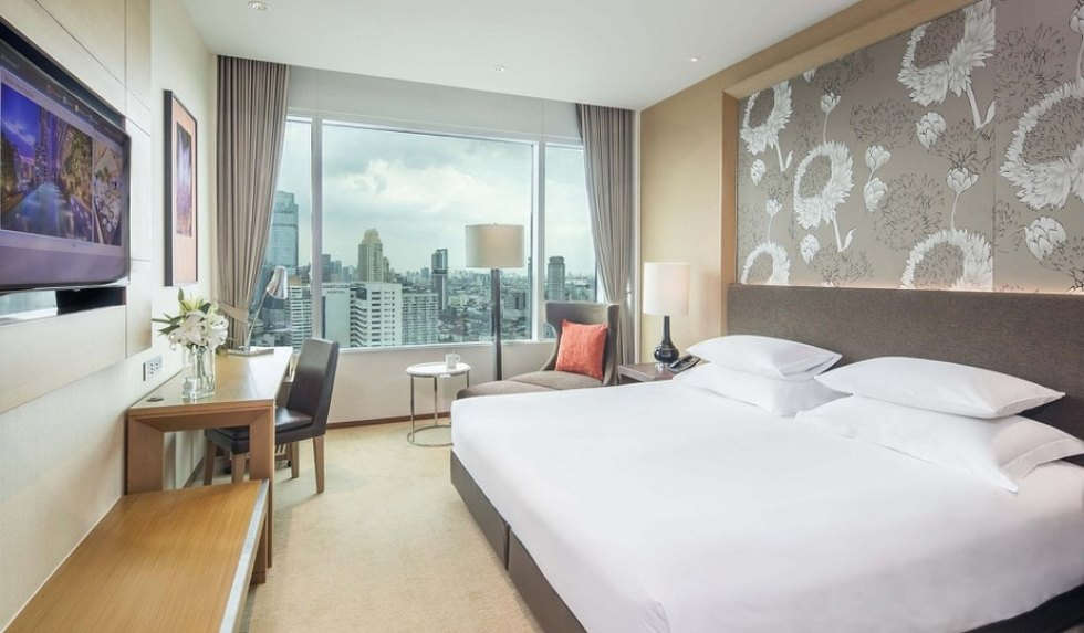 Top Places to Stay in Bangkok for Nightlife: Eastin Grand Hotel Sathorn