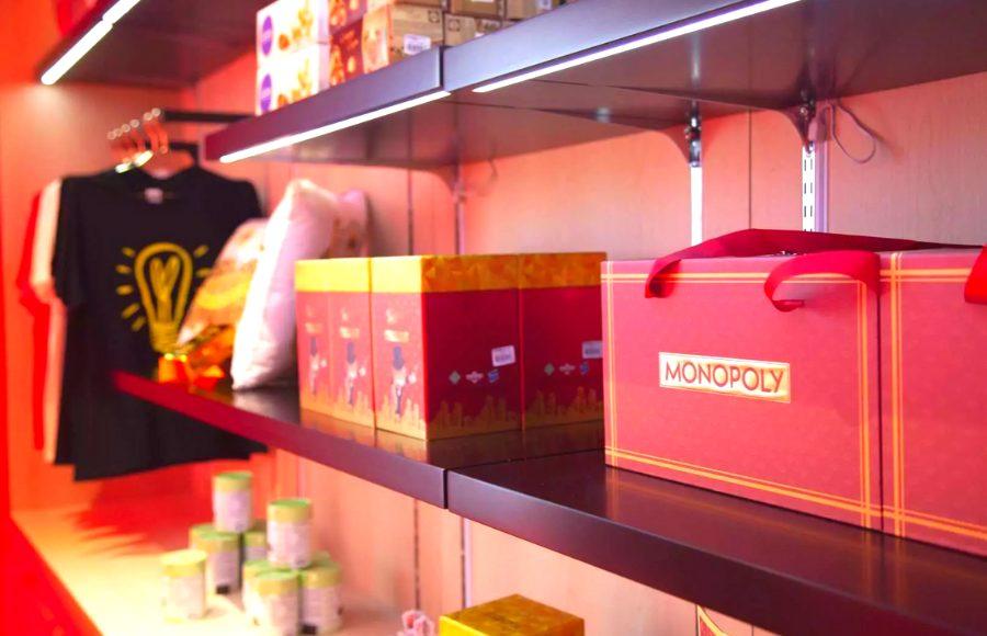monopoly dreams hong kong souvenir shop