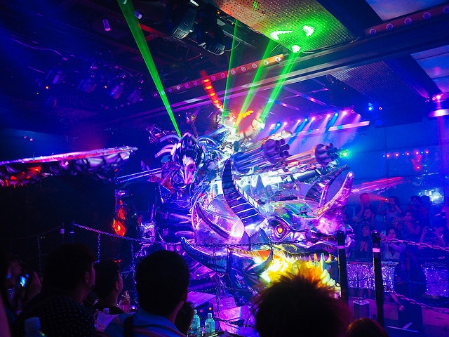 Everything You Need to Know About Tokyo's Insane Robot Restaurant