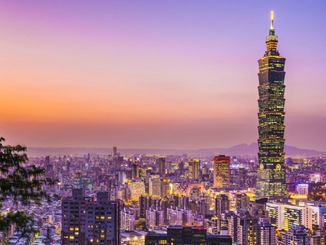 10 Best Hotels with Views of Taipei 101
