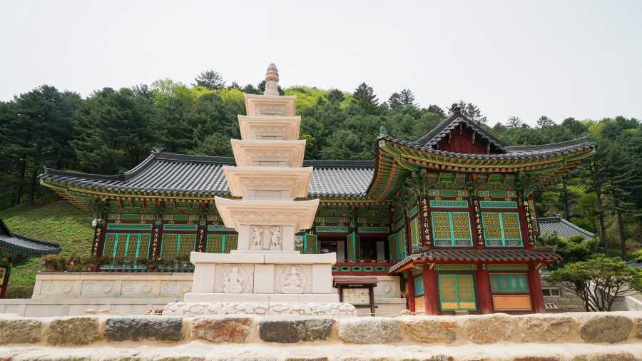 Sangwonsa Temple (image via Shutterstock)
