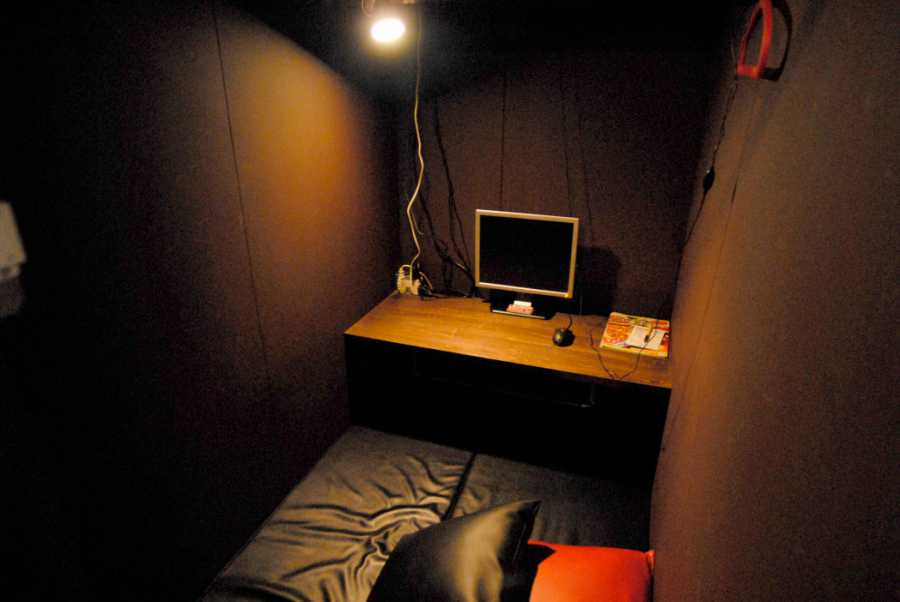 Internet cafes can have all you need and give you sleep. Photo credit: Japan Times