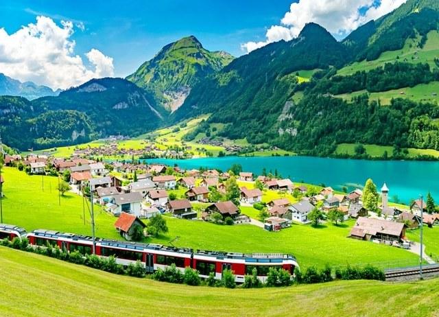 15 Dreamy Pictures Of Train Journeys Across Switzerland