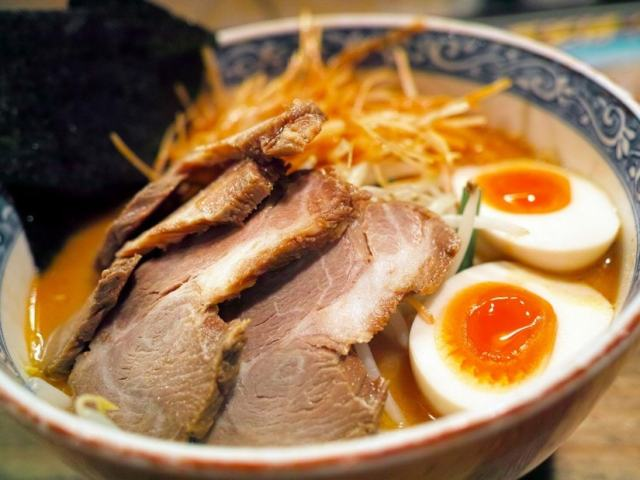 How To Eat Ramen Like A Local