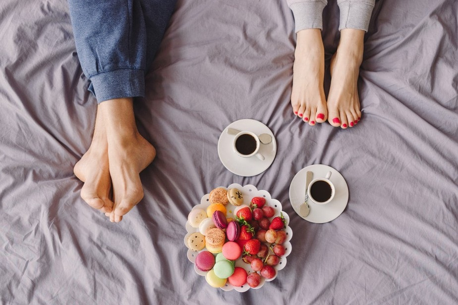 10 Romantic Stay-At-Home Date Ideas For Valentine's Day