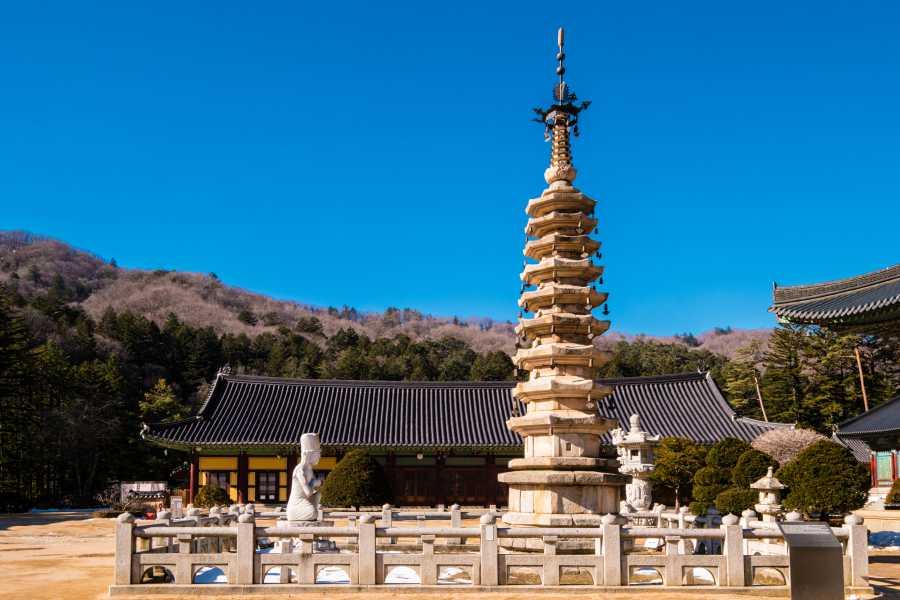 Woljeongsa Temple (image vie Shutterstock)