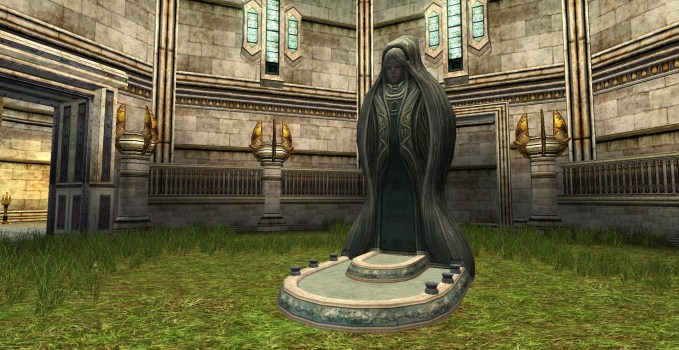 Rivendell Courtyard Statue