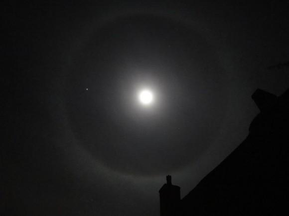 Moon Settings Halo Ring
