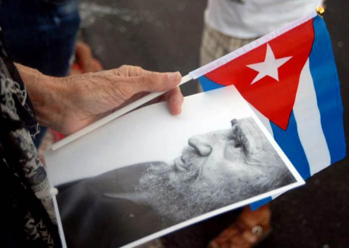 Fidel en route to Santiago.