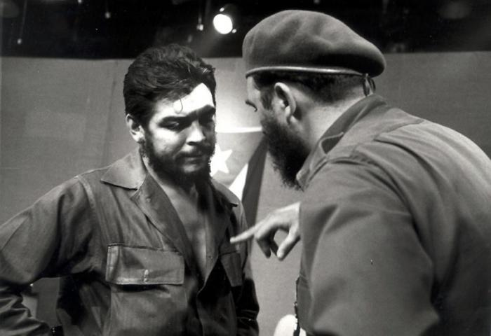 Che Guevara and Comandante en Jefe Fidel Castro in the television studio on Mazón and San Miguel streets, Havana, 1961. Two giants of Our America.  Fide5450