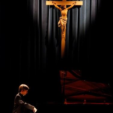 marcin-koziak-piano-cross