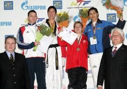 An awarding ceremony for the women's A8 +67kg weight category.