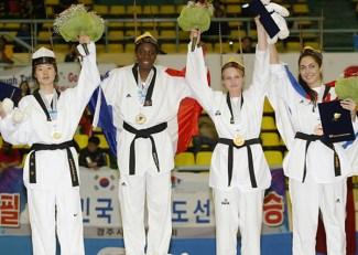 2011-05-06_(2393)x_PhotoWTF_Gyeongju_taekwondo_Day6_04